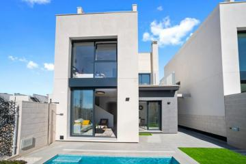 Fantastic 3 Bedroom Villa in Villamartín - Select Estates