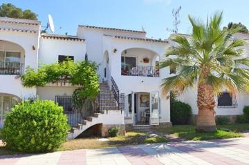 Renovated 2 bedroom ground floor apartment in Javea