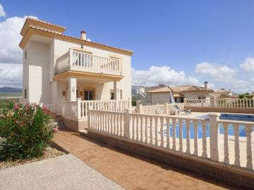 A 3 bedroom detached villa in Castalla