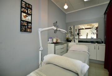 Neem Beauty Salon in Albir over - Select Estates