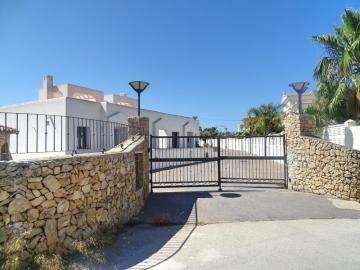 3 bedroom villa resale from the bank in Benissa