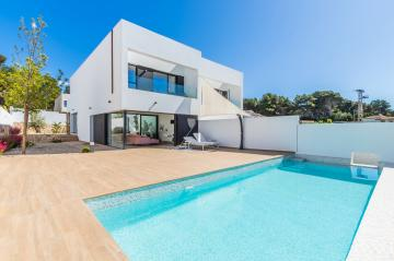 Semi detached in Moraira