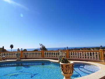 Breathtaking villa with 3 apartments and panoramic view over the coast